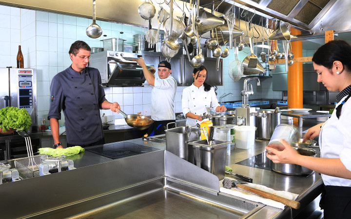 hotel_kitchen_720x450